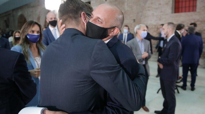 Asumió el primer Ministro Nacional abiertamente gay de la historia de nuestro país